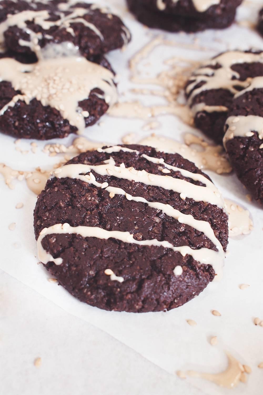 ciastka czekoladowe tahini
